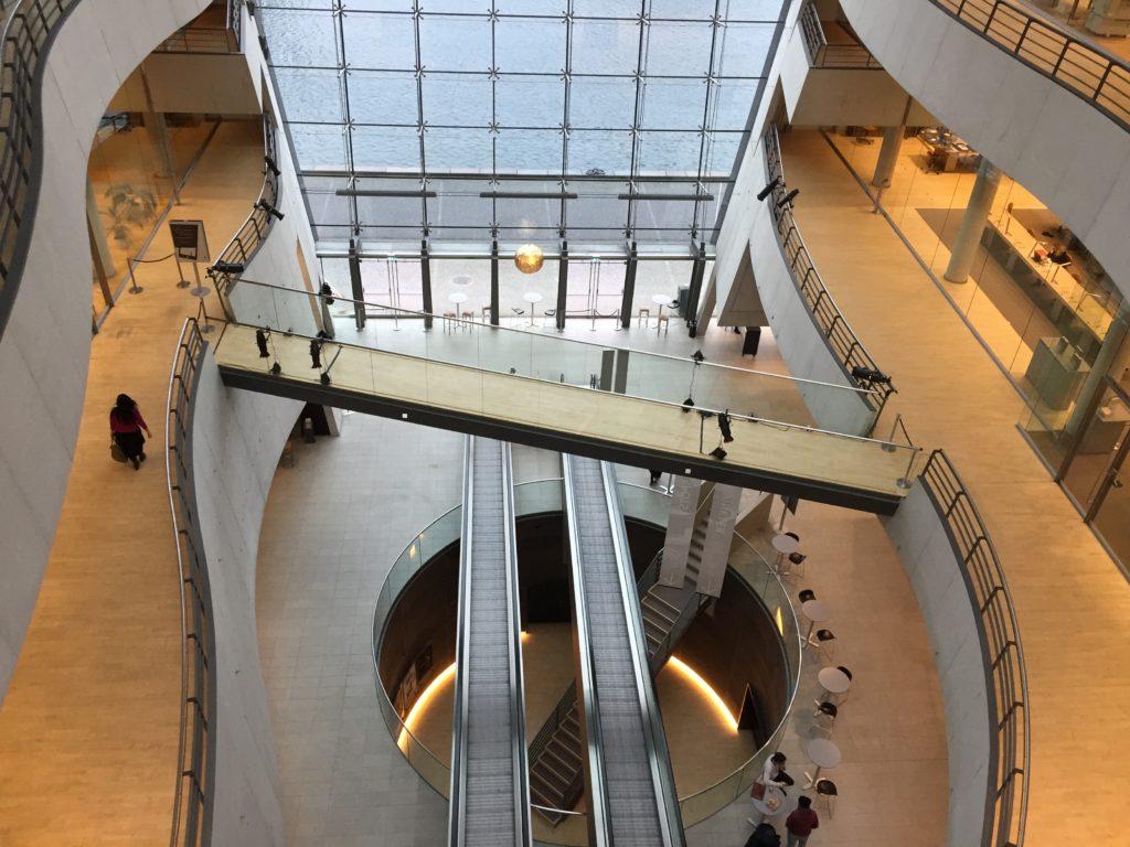 Royal knihovna - pohled z výšky, architektonický skvost